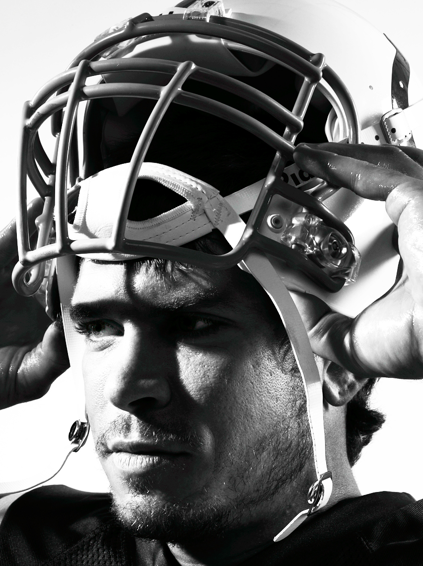 02_QB_ANTAL_006_helmet_being_retouched.jpg