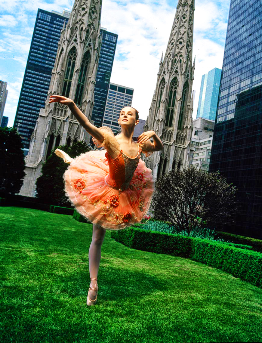 03NYCBallet_Lawn_being_retouched.jpg