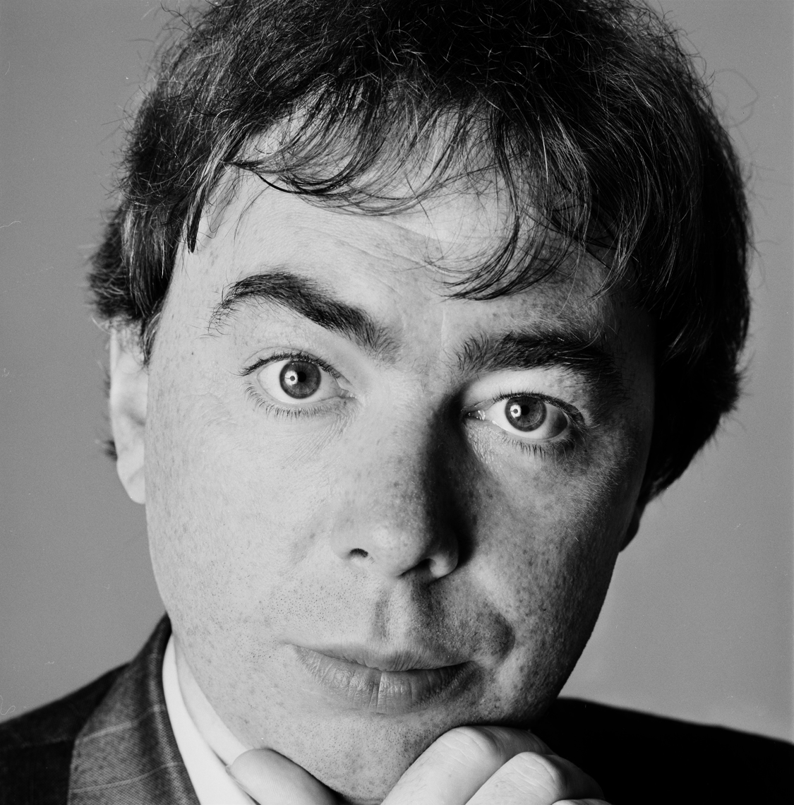 ANDREW_LOYD_WEBBER_001_being_retouched.jpg